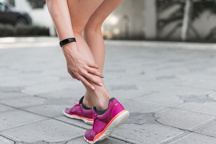 Bảo Bình nên cẩn thận với vấn đề về Cẳng chân và mắt cá chân