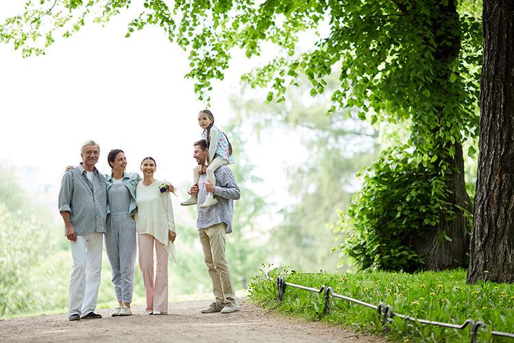 Thiên Yết quan tâm gia đình theo cách âm thầm