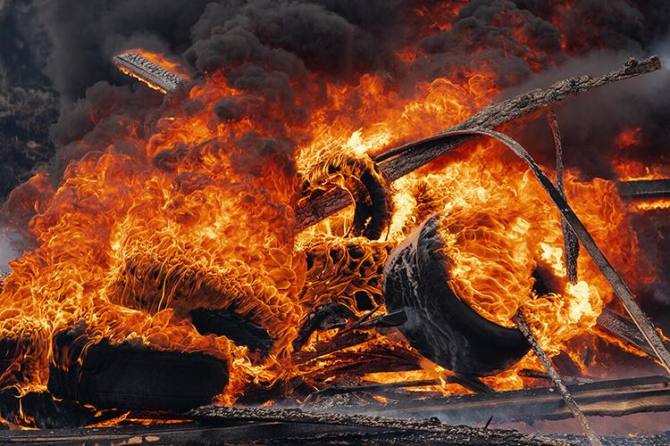 nguyên tố lửa thiên về hành động