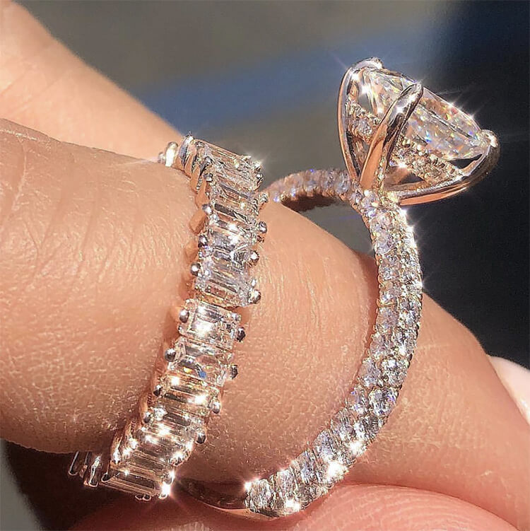 Nhẫn bạch kim đính kim cương