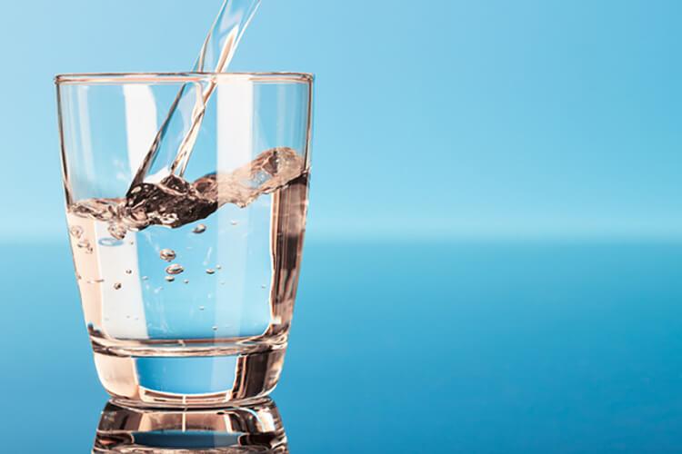 Phân biệt vàng thật giả bằng cách dùng bằng nước